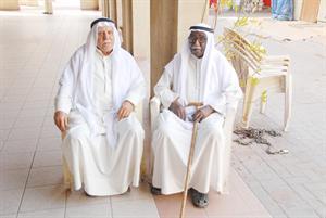 درويش محمد علي الأسطى مع الزميل منصور الهاجري